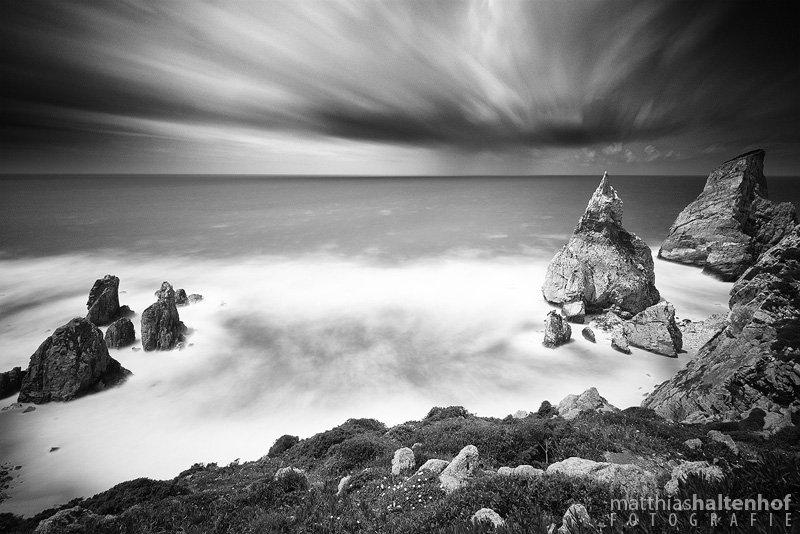 Schwere Stürme bei Cabo da Roca, Portugal.