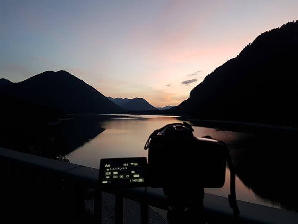 Alpen: Am Sylvensteinspeicher nach Sonnenuntergang
