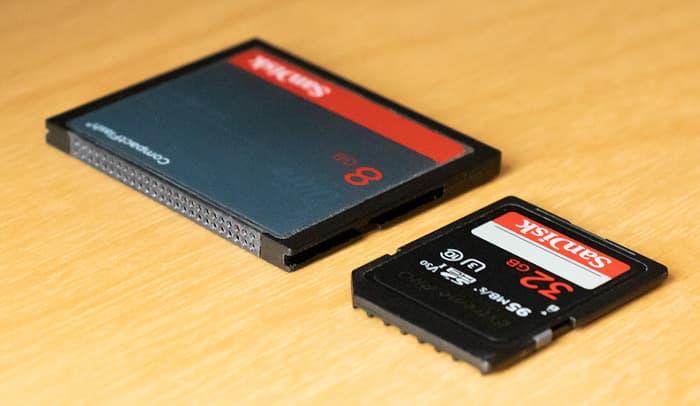 CompactFlash- und SD-Speicherkarte
