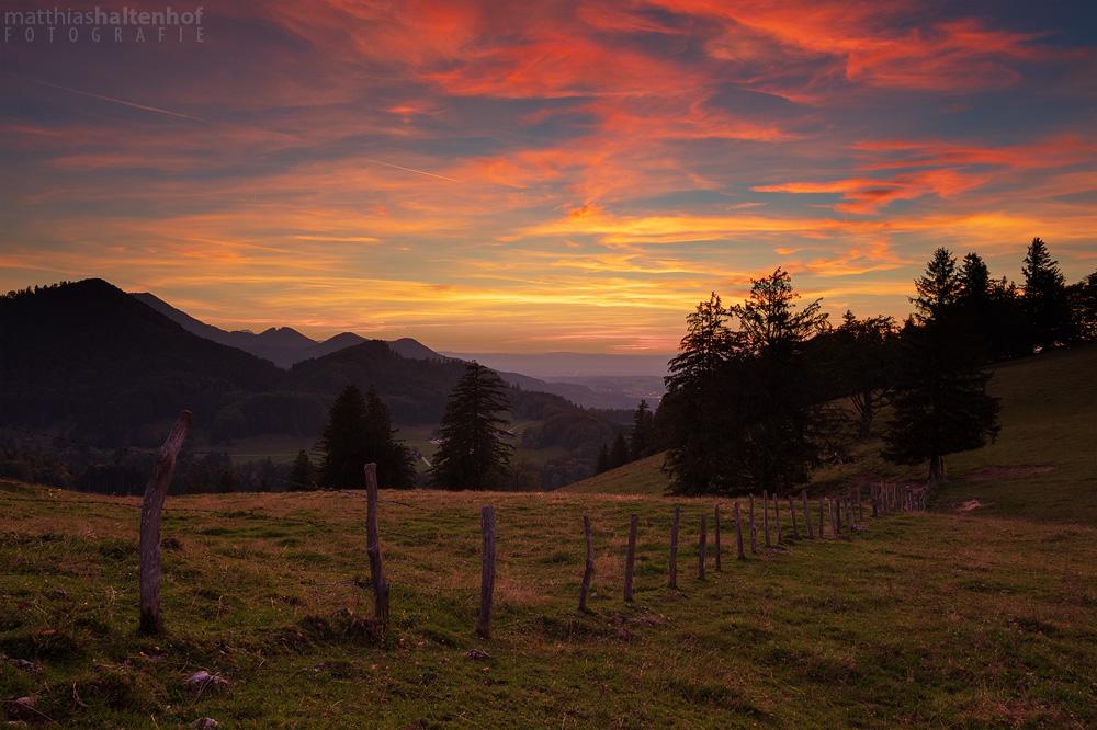 Sonnenuntergang am Adersberg in der Nähe vom Chiemsee.