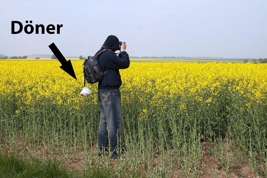 Hochseriöser Fotograf mit Döner