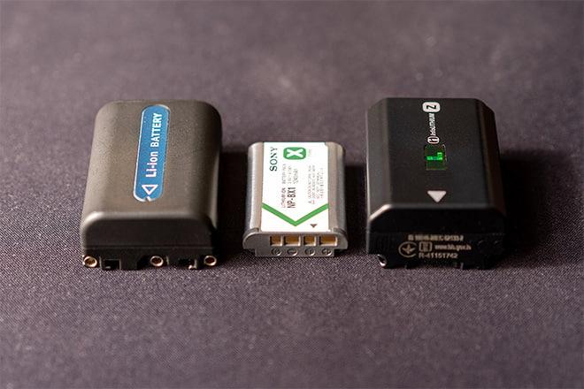 Kamera-Akkus der Sony F828, Sony RX100 VA, Sony Alpha 7 III