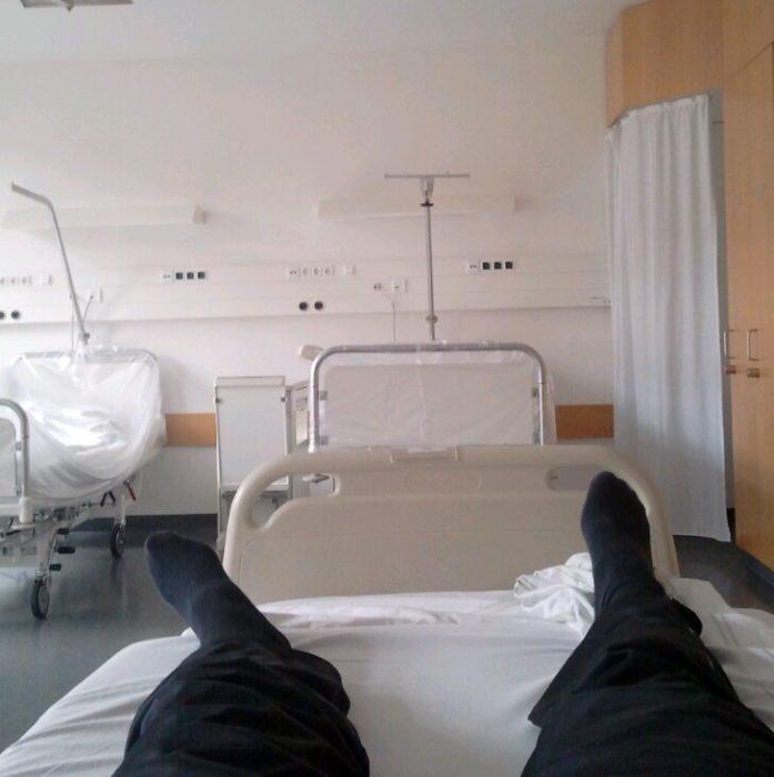 Das erste Foto - Blick im Krankenhaus
