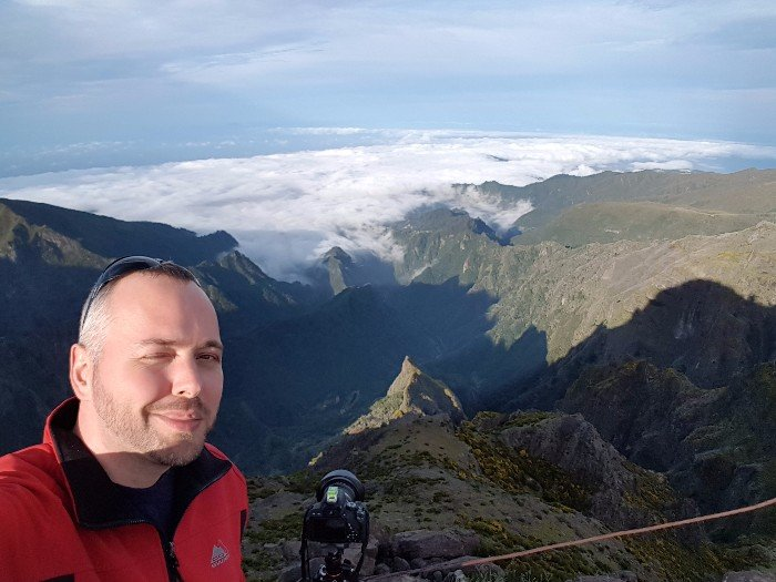 Wolken im Tal unter dem Pico Do Arieiro