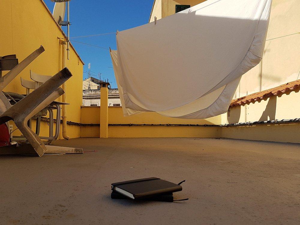 Meine beiden Notizbücher auf der Dachterasse in Rom