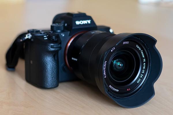 Die Sony A7 III mit dem Sony FE 16-35 mm F4 ZA OSS